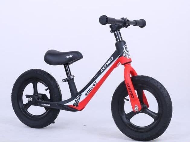 Беговел велобег детский Corso 67689 колеса 12 дюймов (надувные) / магниевая рама и диски / подножка / красный