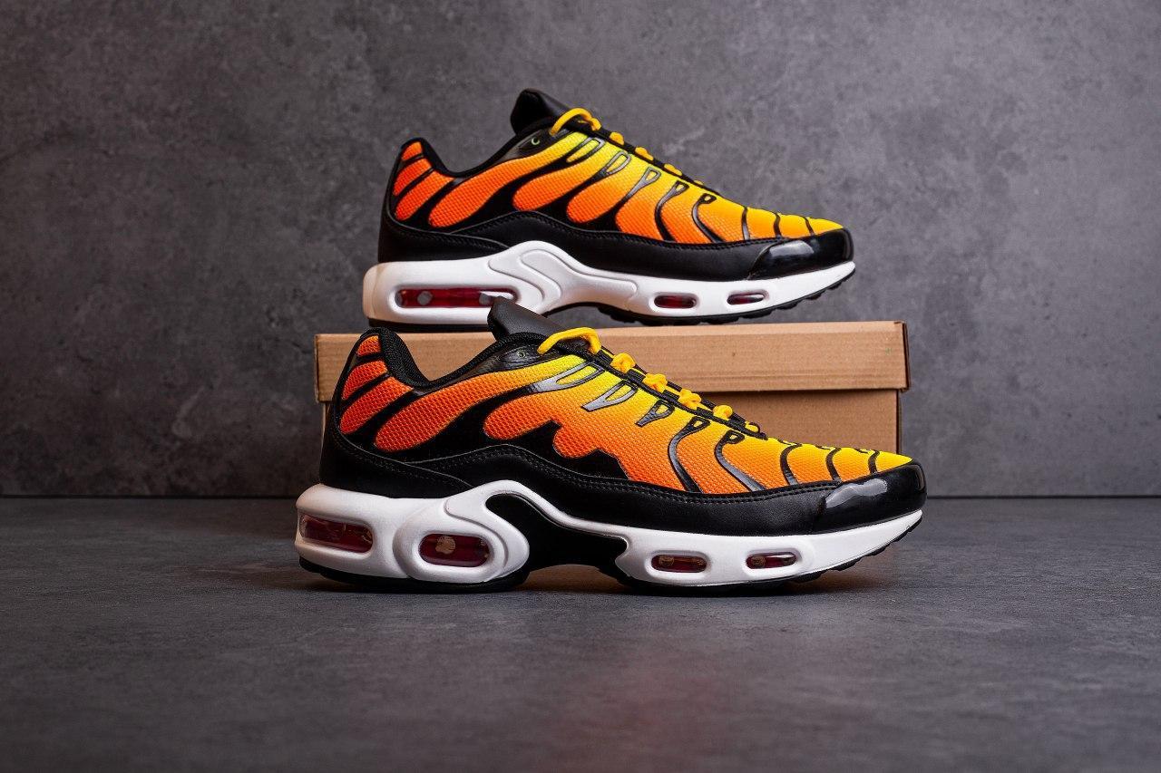 Мужские кроссовки Ривал ТН (оранжевые)