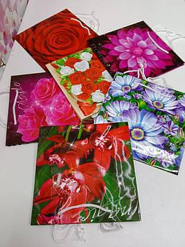 Подарунковий пакет паперовий жіночий з малюнком квіти на свято