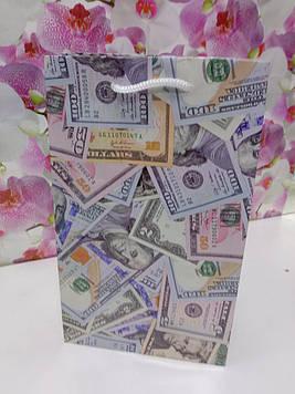Подарунковий пакет паперовий  з малюнком гроші доллари на свято 15.5 на 26см