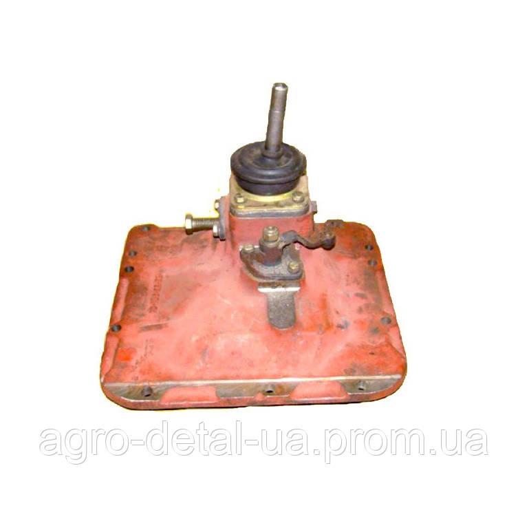 Крышка 79.37.012-02 верхняя коробки гусеничного трактора ДТ-75