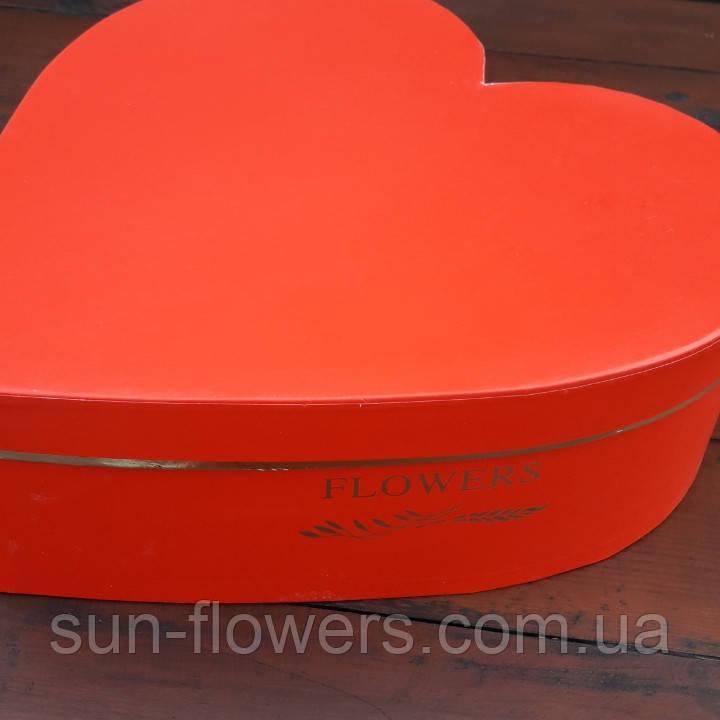 Коробка картонная в форме сердца(красная 26см)