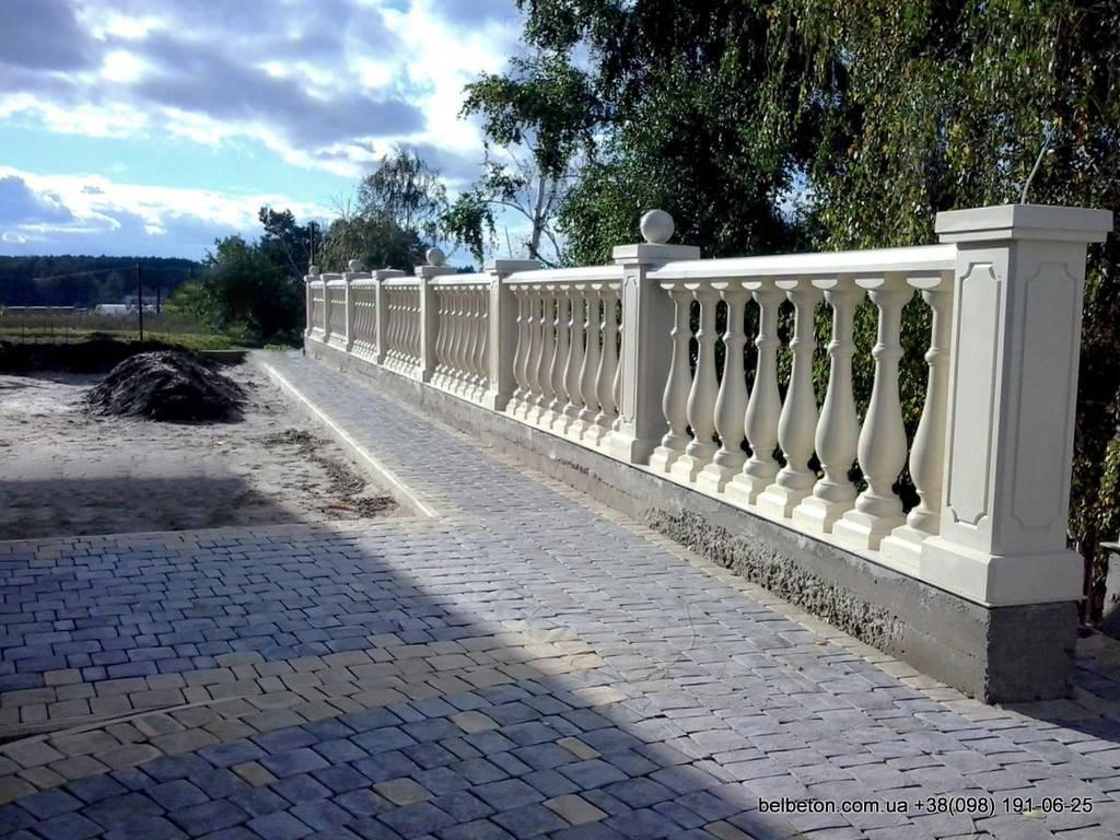 Не теряйте возможность заказать бетонную балюстраду с балясинами. Технология мрамор из бетона снимает с вас нужду   ухода за данными изделиями. Наши товары не требуют покраски или шпаклевки. Гарантированный срок службы более 25   лет.