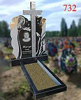 Пам'ятник з фігурною вирізкою та іконою Божої Матері, фото 1