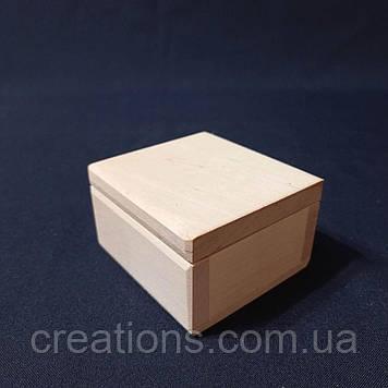 Заготовка для декупажу 8х8х5 см. шкатулка квадратна з дерева