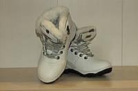 Зимние ботинки на меху 36  р белые.