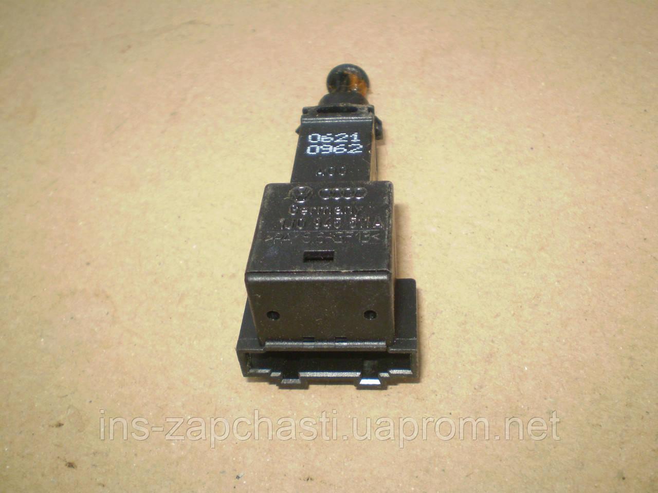 VAG 1J0 945 511 A Выключатель фонаря сигнала торможения AUDI  SEAT VOLKSWAGEN