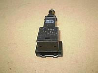 VAG 1J0 945 511 A Выключатель фонаря сигнала торможения AUDI  SEAT VOLKSWAGEN, фото 1