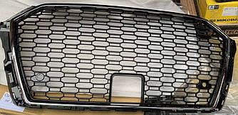 Решетка радиатора Audi A3 8V (17-19) стиль RS3 (Хром рамка) под радар.