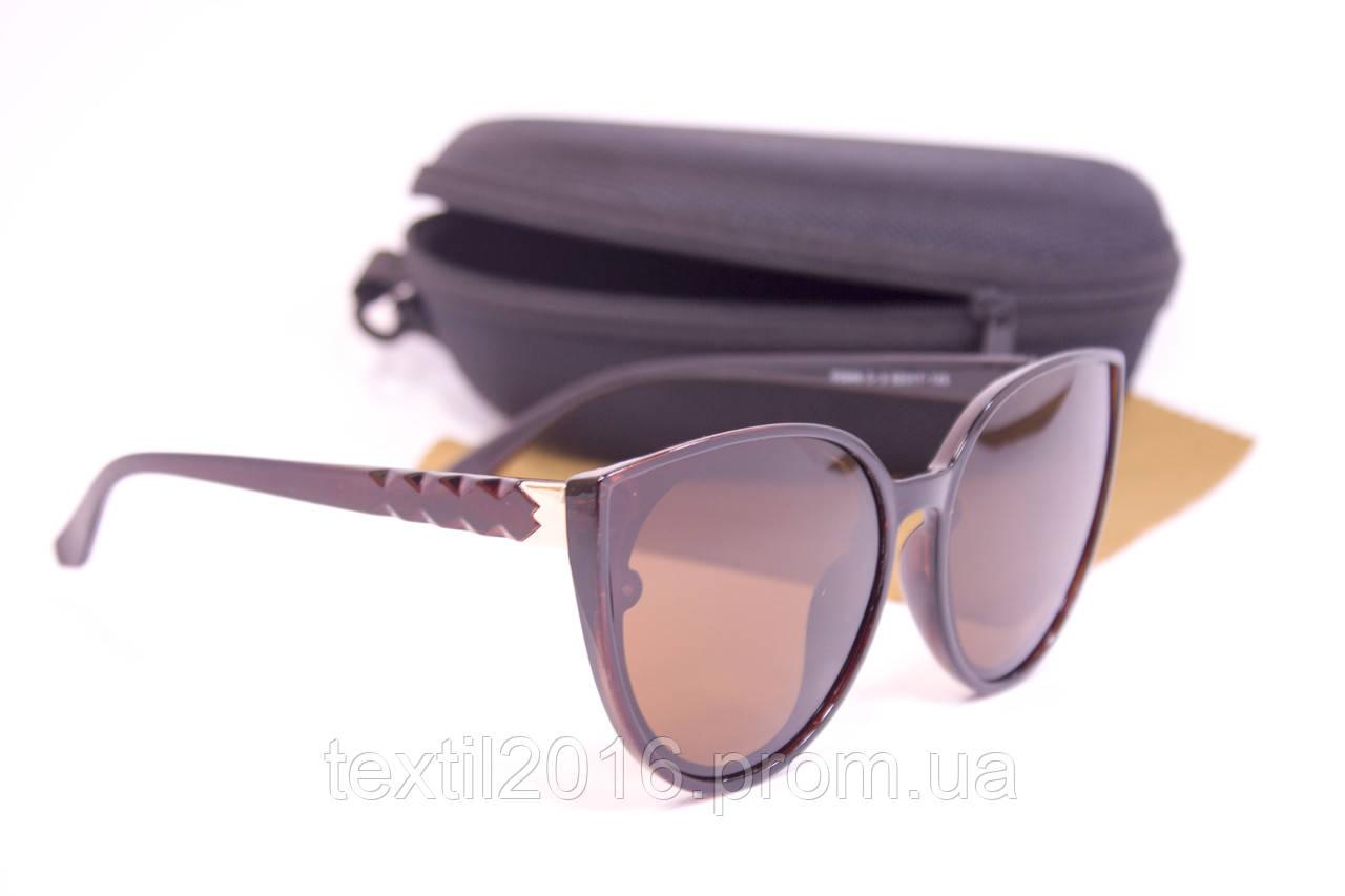 Сонцезахисні окуляри з футляром F0946-2