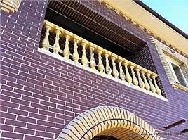 В данном проекте используется дизайнерская балюстрада с балясинами, выполненные по технологии мрамор из бетона.    Гарантированный срок службы  не менее 25 лет под открытым небом. Наши балясины и балюстрады обладают высокой   прочностью и плотнос