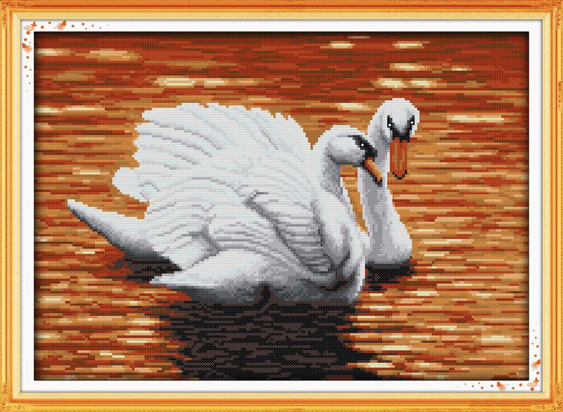 Набор для вышивания крестом с печатью на ткани NKF Пара лебедей D657/3 14ст