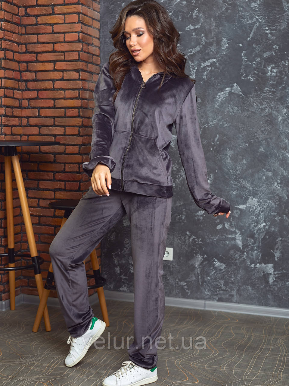Женский спортивный костюм  из велюра, разм 52,54,56, 4 цвета