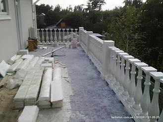 В данной работе была использована белая балюстрада,с бетонными балясинами B0,а также были применены радиусные   стаканы. Срок службы изделий  не менее 25 лет под открытым небом. Наши балясины и балюстрады обладают высокой   прочностью и плотность