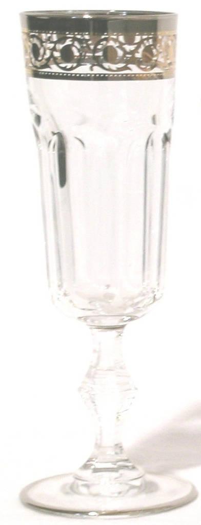 Набор бокалов для шампанского, декорированный золотом и платиной
