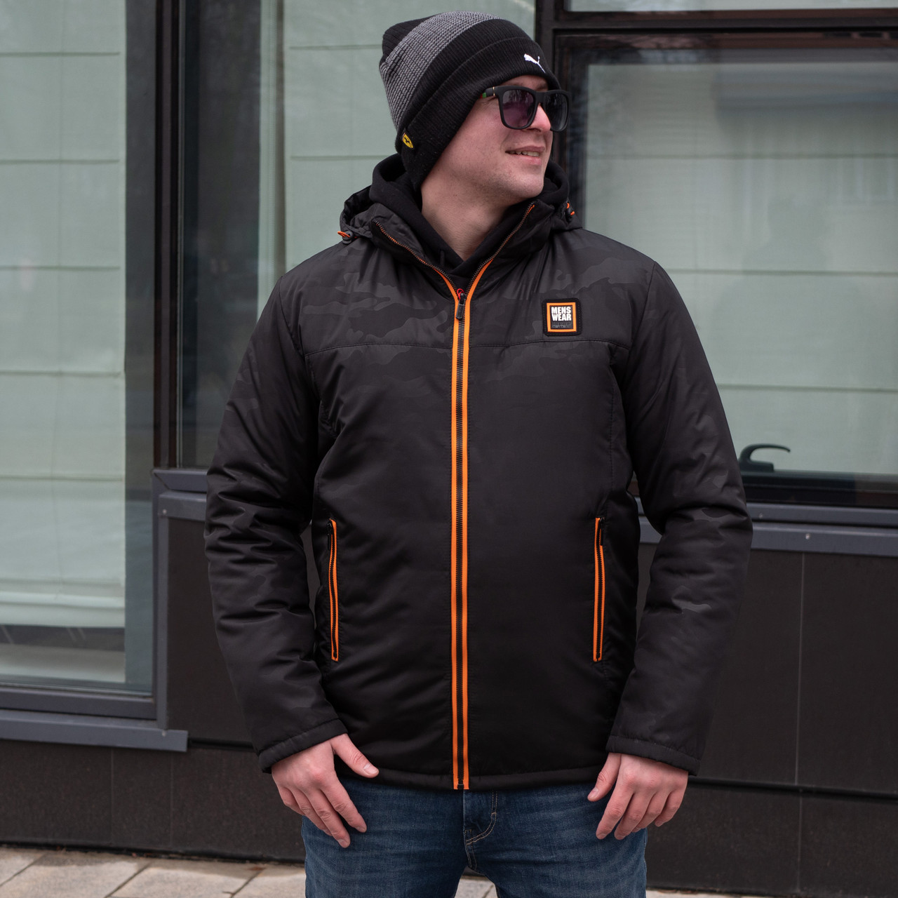 Демисезонная мужская куртка  от производителя    46-54 черный