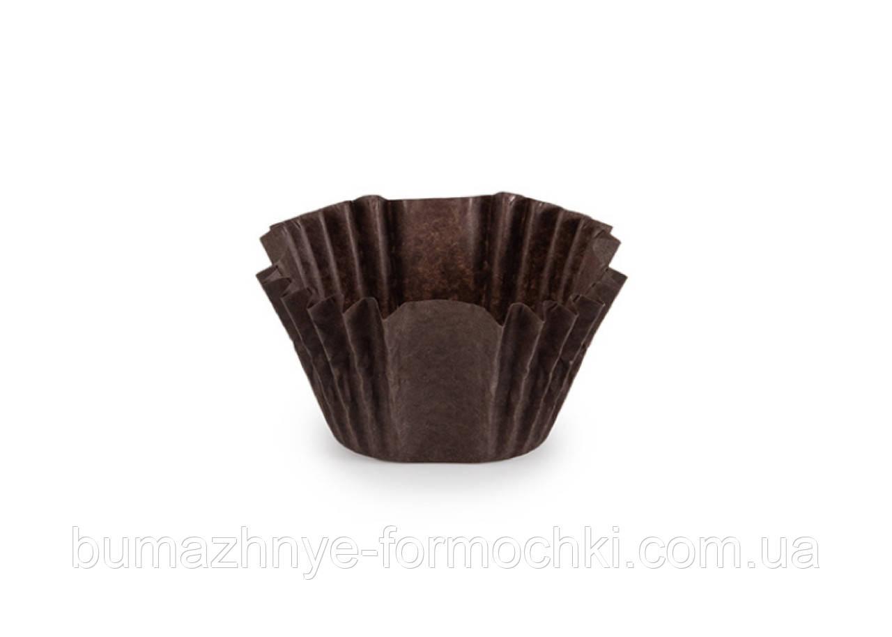 Квадратная коричневая бумажная форма