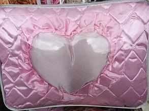 Комплект атласный Шаде розовый: покрывало, декоративная подушка, подушка сердечко.