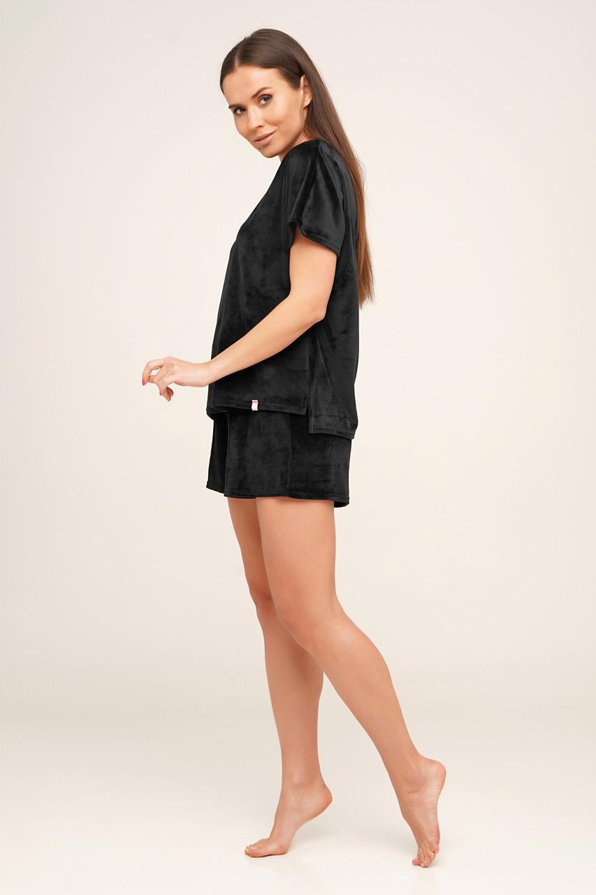 Плюшевая черная пижама футболка и шорты