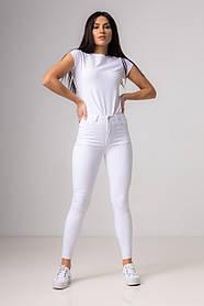 Модные джинсы-скинни со средней посадкой в размерах: S, M, L, XL в 4 цветах