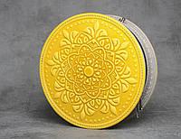 """Стильная круглая кожаная сумочка """"Мандала"""", желтая кожаная сумочка ручной работы, фото 1"""