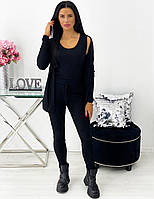 Женский чёрный брючный костюм-тройка