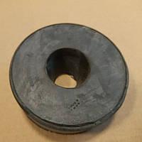 Подушка двигателя МАЗ передняя верхняя (амортизатор балки) 64301-1001029