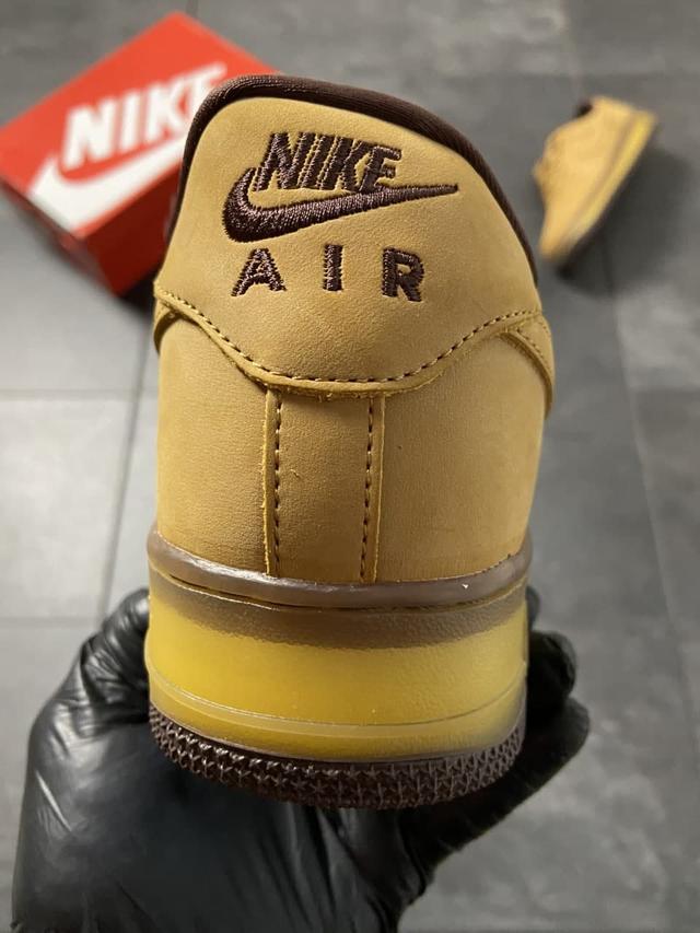 Кросівки Найк Аір Форс 1 низькі коричневі фото