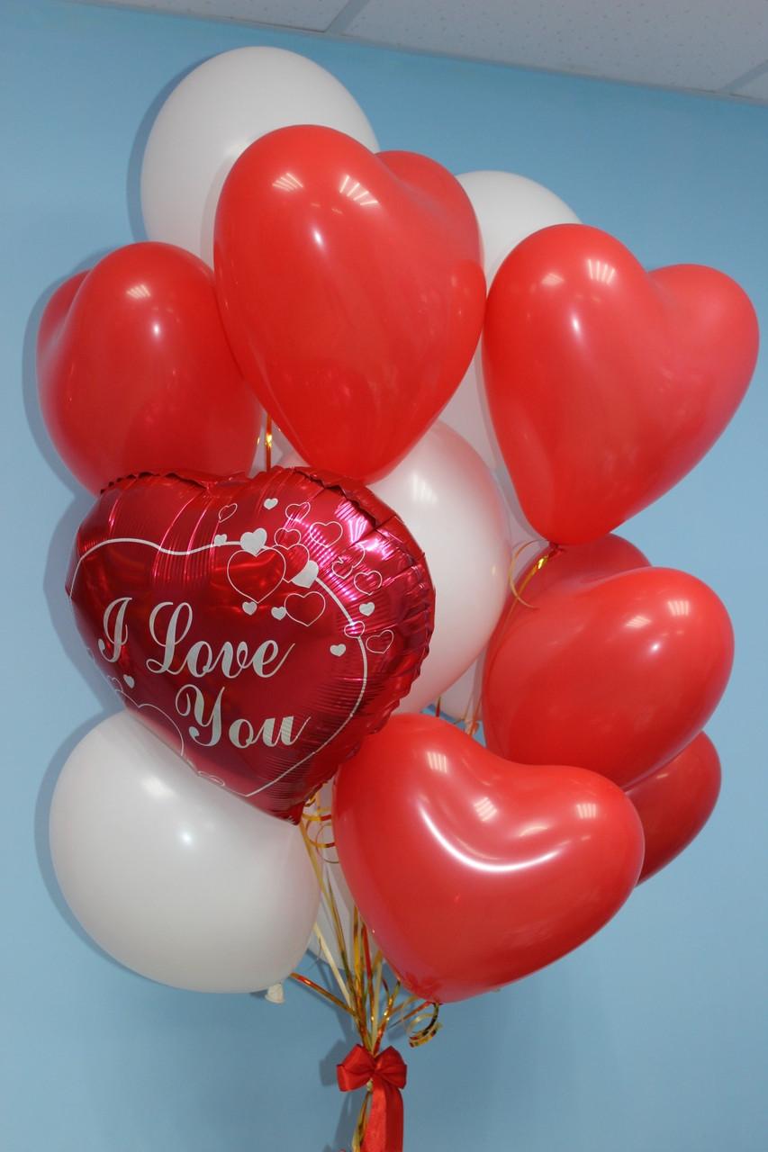Связка из 7 красных сердечек, 7 белых шариков и фольгированного сердца