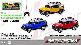 Машина батарейкова АВТОПРОМ на р/к 1:24 R/C TOYOTA FJ CRUISER 8811