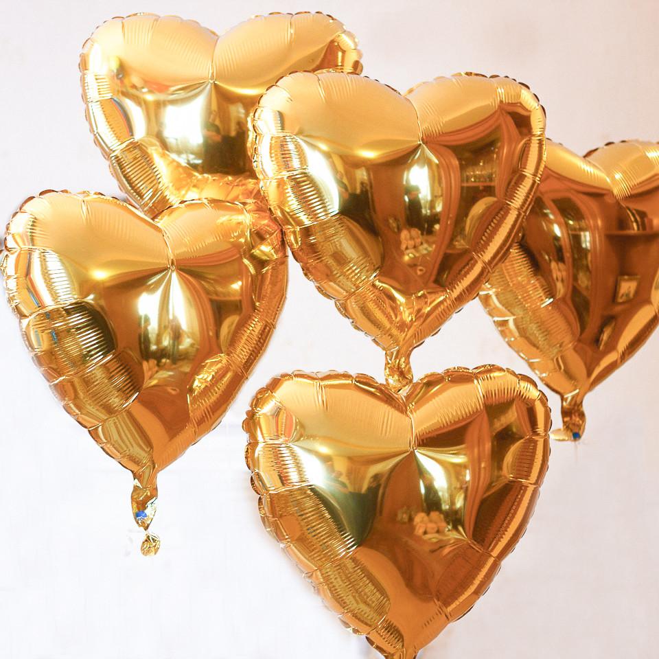 5 фольгированных золотых сердечек