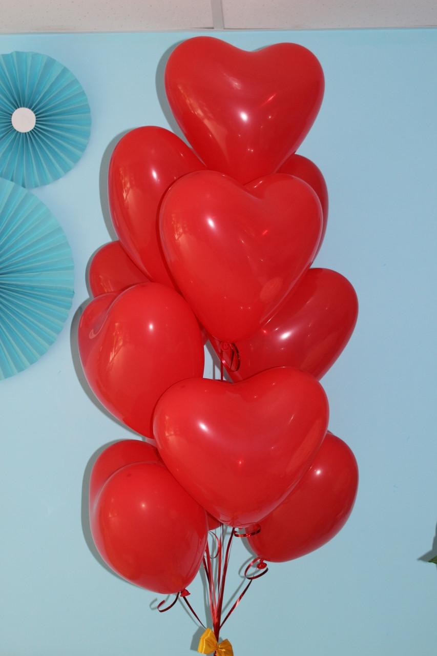 10 красных сердечек