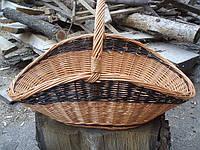 Корзина для дров, плетенная из лозы.