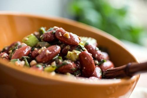 Рецепт простого и быстрого салата с красной фасолью