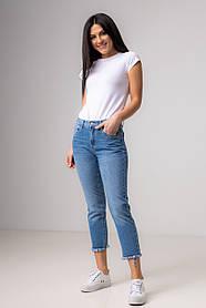 Сине-голубые прямые джинсы с рваным краем со средней  посадкой в размерах: S, M, L, XL.