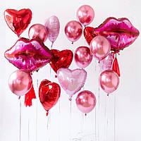 Фотозона из сердечек, с губами и шариками хром