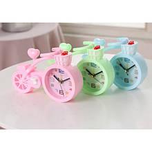 Настільний годинник-будильник Велосипед.  Світло рожевий| ТОП якість
