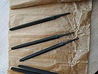 Напильник трехгранный, насечка 3, полка 12 мм, рабочая часть 155 мм, общая длина 200 мм