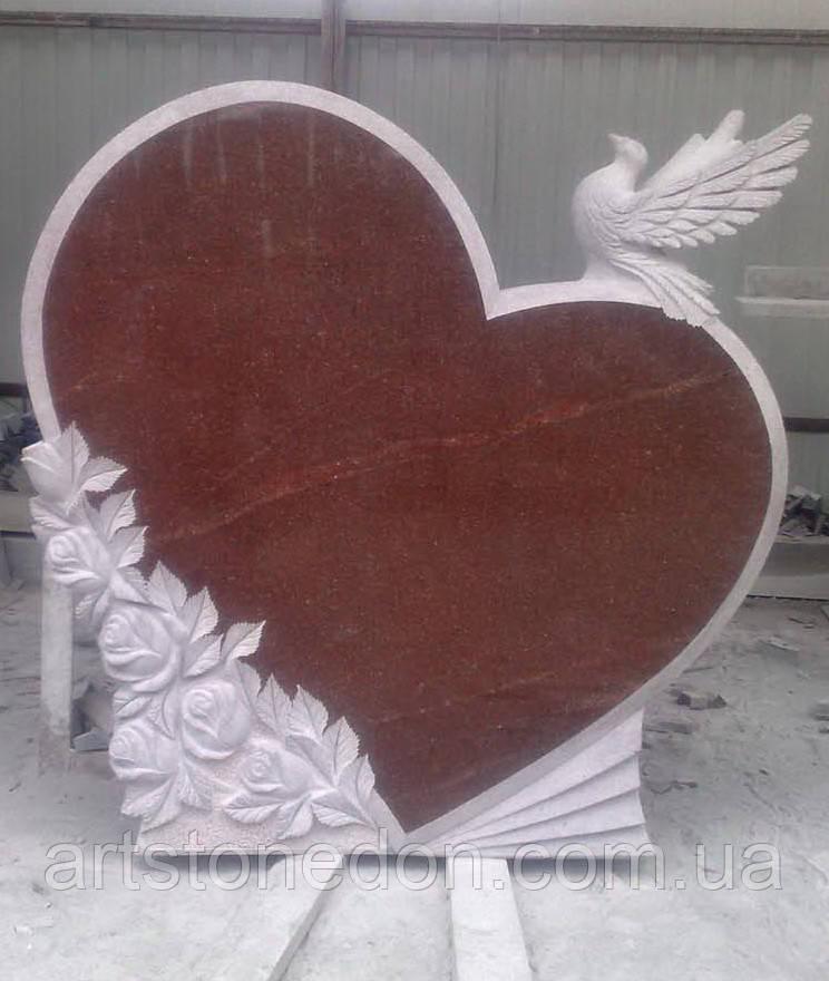 Гранитный памятник в форме сердца