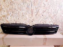 Решетка радиатора VW Jetta 2011-2014