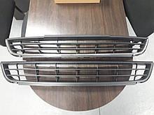 Решетка переднего бампера средняя VW Jetta 2011-2014