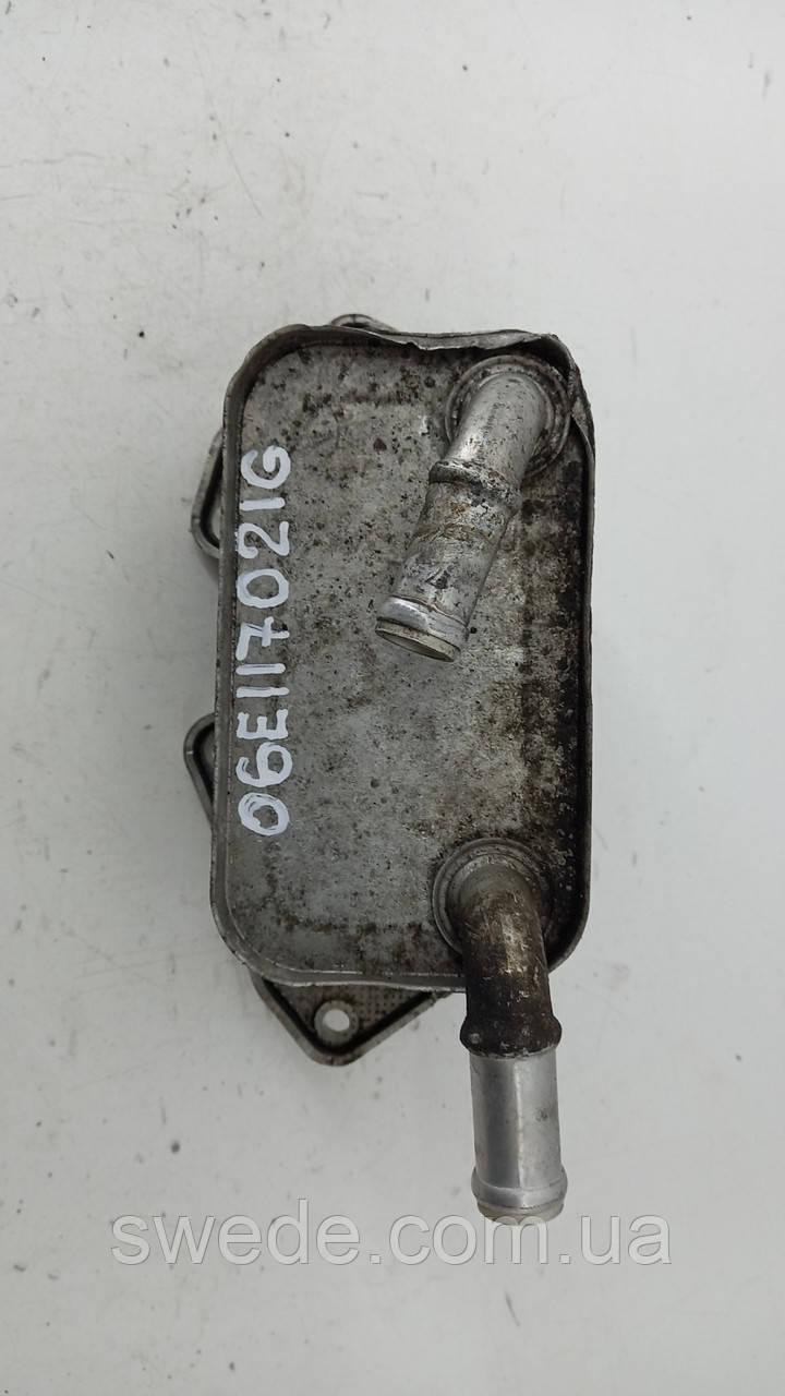 Радиатор масляный Audi A6 C6 3.2 FSI 2011 гг 06E117021G