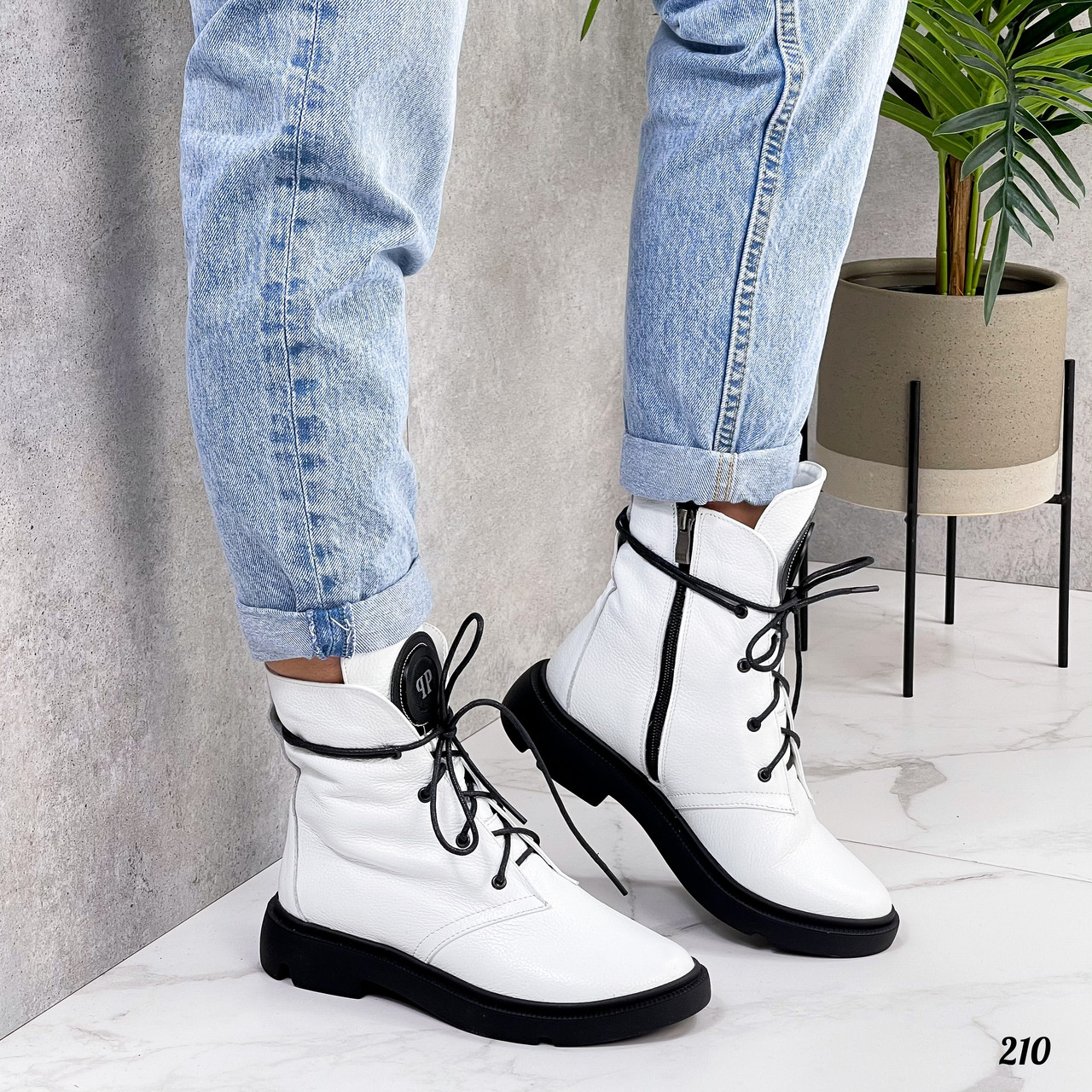 Демісезонні жіночі білі черевики, натуральна шкіра