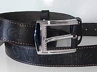 Черный джинсовый кожаный ремень со строчкой