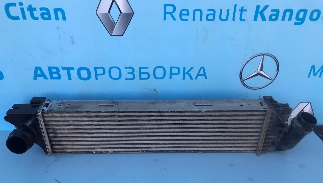 Радиатор интеркулера 93868349, 144960050R для Ниссан НВ 300 1.6 dci Nissan NV300 2014-2019 г. в.