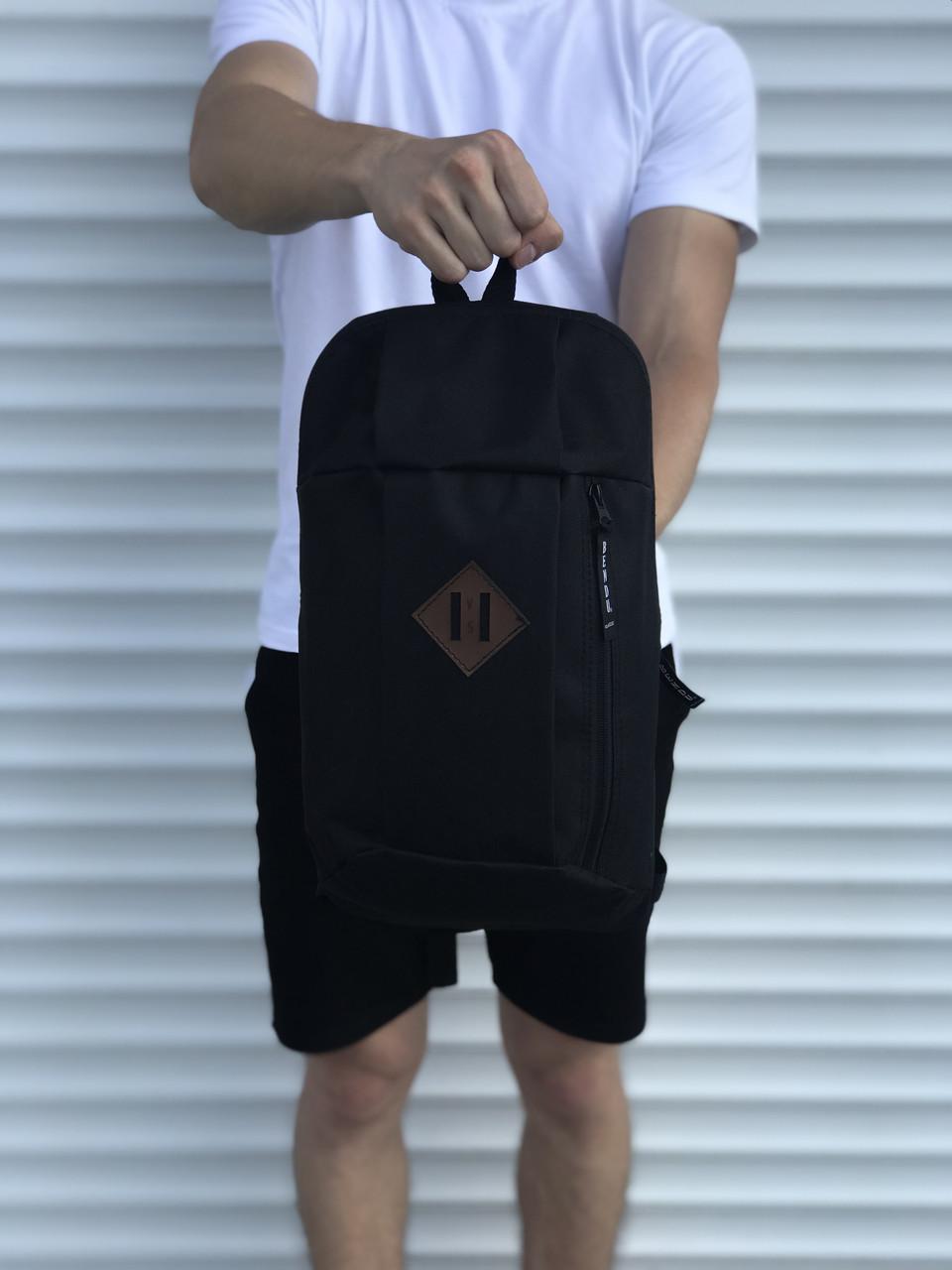 Черный спортивный рюкзак велосипедка