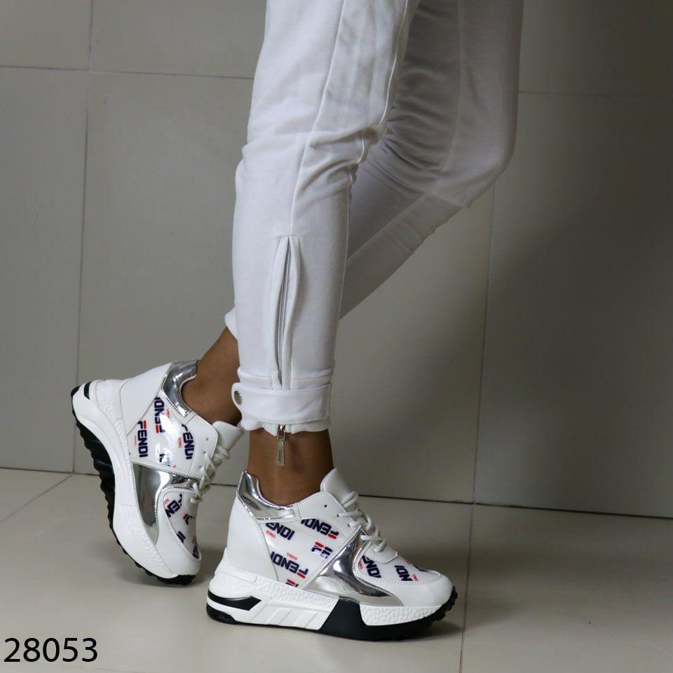 Жіночі кросівки білого кольору еко-шкіра на платформі
