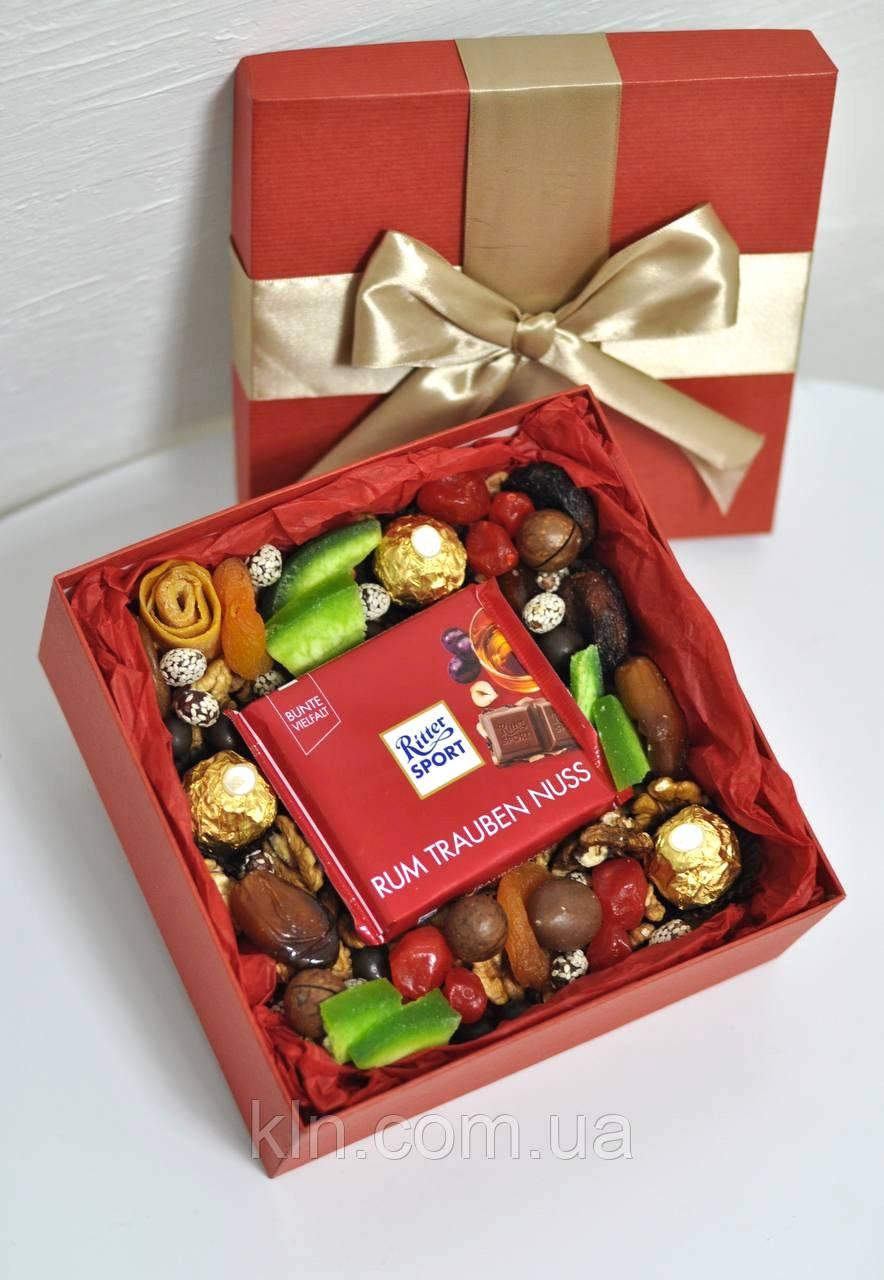 Коробка со сладостями сухофруктами орехами на подарок для девушки женщины сестры подруге букет