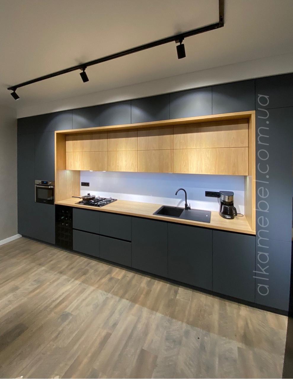 Двоповерхова Кухня на замовлення в сучасному стилі. Кухня під стелю. Кухня двухярусна. Кухня 2021 року