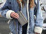 Женская маленькая сумкочка с ремешком, серая, фото 6